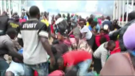 'Chaos' in Kenyan slum as Covid-19 takes toll – CNN Footage